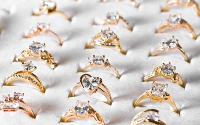 Czy pierścionek jest odpowiednim prezentem na Walentynki?